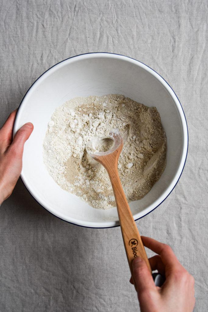 Glutenfreie Mehle in einer Schüssel